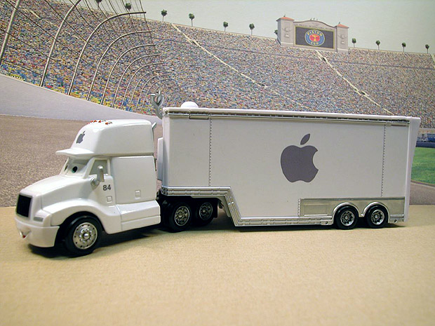 finish-apple-hauler