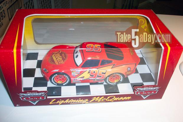 mattel disney pixar diecast cars 1 24 scale lightning mcqueen