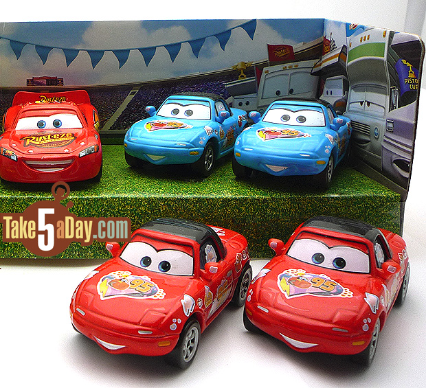mattel disney pixar diecast cars lightning mcqueen mia tia 8 take five a day. Black Bedroom Furniture Sets. Home Design Ideas
