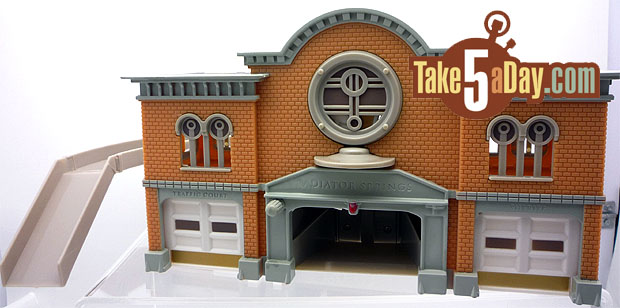 Nouveau playset Disney Stores : Radiator Springs Courthouse Courthouse-Complete
