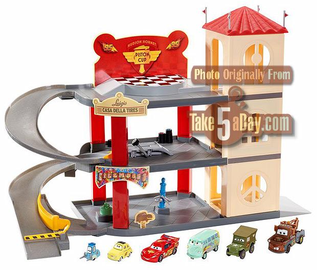 Mattel Disney Pixar Cars 3 Carrying Cases Playsets