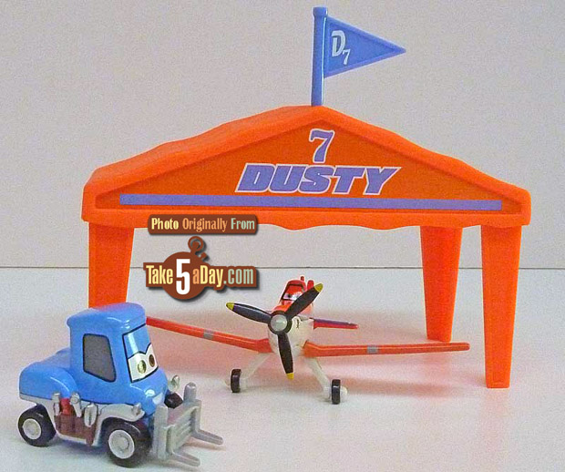 Mattel-Dusty-tent-and-Dottie-from-set