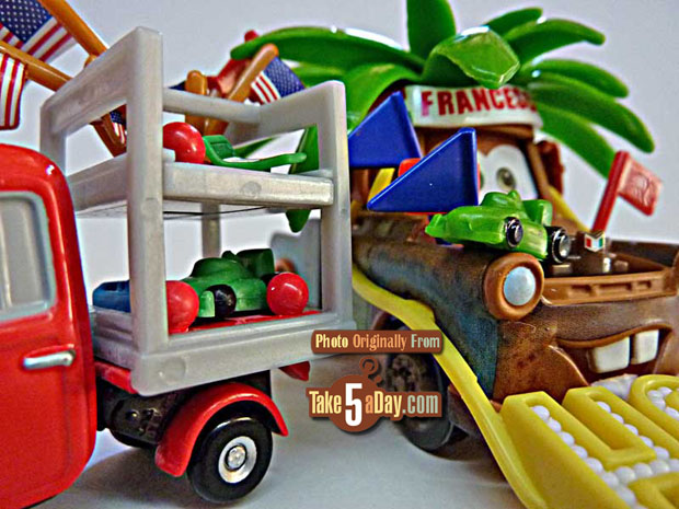 Francesco-Fan-Mater-and-Trike-Feldman-model-car-detail