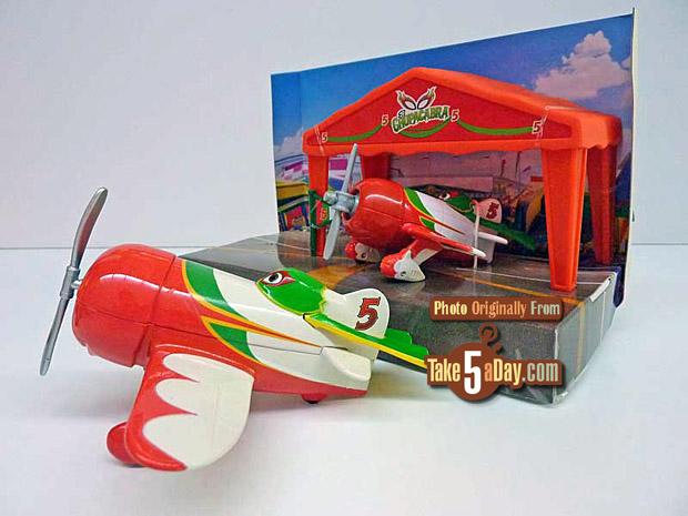 El-Chupacabra-DS-and-Mattel-comparison_01