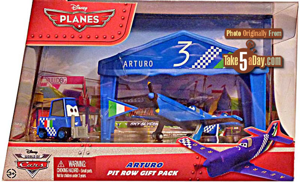 DISNEY PLANES ARTURO PIT ROW GIFT PACK WITH TENT /& PITTY DIECAST VEHICLES