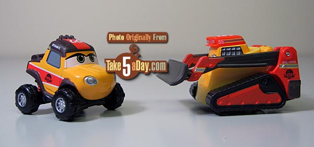 Disney PLANES Fire /& Rescue Exclusive 1:55 Deluxe Die Cast 4-Pack Smoke Jumper Dynamite, Doe, Pinecone /& Avalanche