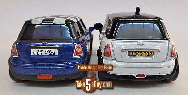 2-Minis_rear_01