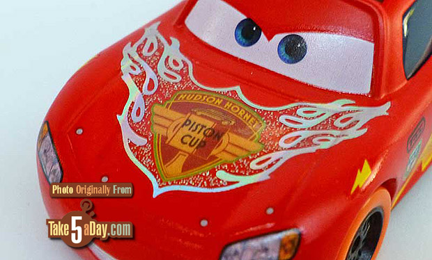 Lightning-McQueen-Car-nival-Cup-3-4-front-detail