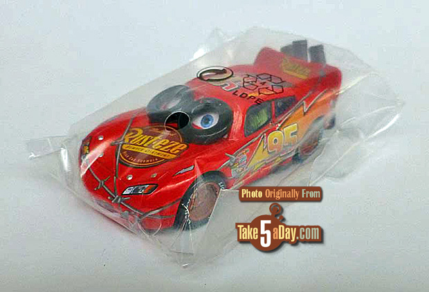 Spinout-Lightning-McQueen-in-bag