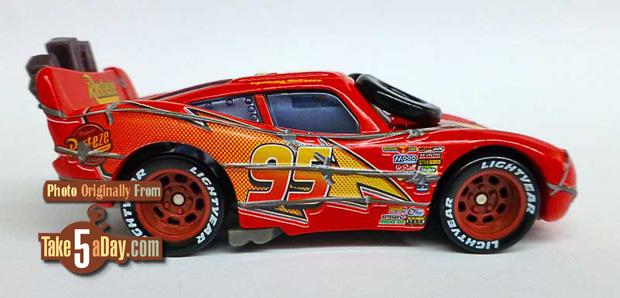 Spinout-Lightning-McQueen-rside