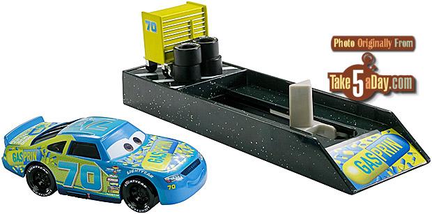 mattel disney pixar cars 3 new launchers preview take. Black Bedroom Furniture Sets. Home Design Ideas